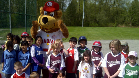 Bob Brown Bear joined Burnaby Minor Softball on Saturday for a little action on the diamond.